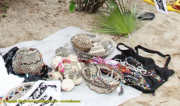 Jippi Jappa Maya baskets with picture of Jippi Jappa Palm