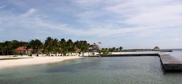 beach-at-turneffe-atoll