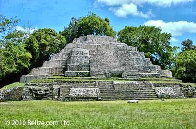 belize-lamanai-ruins
