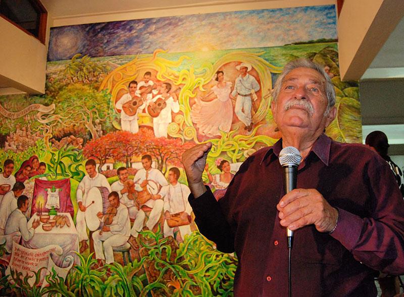 Manuel Villamor Belizean mural artist