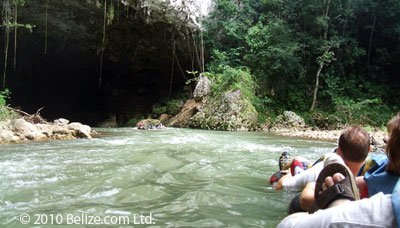 belize-cave-tubing-entrance