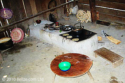 maya-fire-hearth-and-comal-kitchen-belize