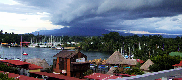 rio-dulce-view-from-fronteras-bridge-cloud