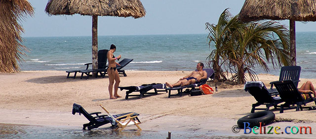 down-by-the-beach-old-belize