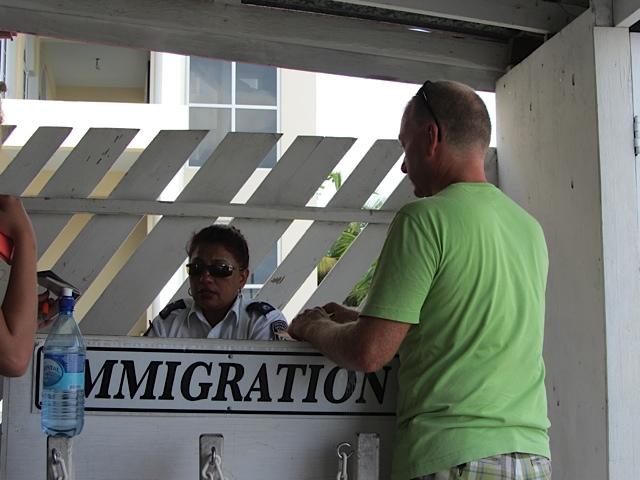 belize-immigration-officer