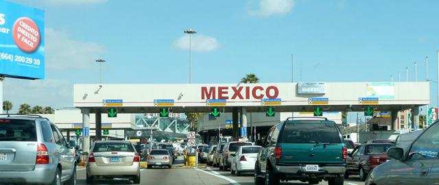 usa-mexico-border-crossing